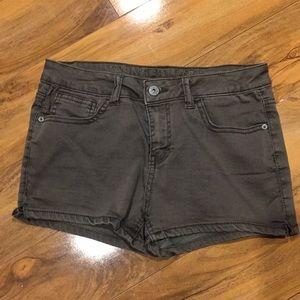 Girls size 14 vanilla star army green shorts